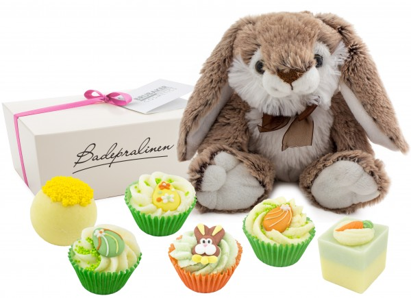 """BRUBAKER Cosmetics 7-teiliges Ostergeschenk handgemachte Badepralinen """"Frohe Ostern"""" mit einem Plüsc"""
