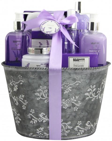 """9-teiliges Bade- und Dusch Set """"Fresh Lavender"""" - Lavendel Duft - Geschenkset im Pflanzkübel"""